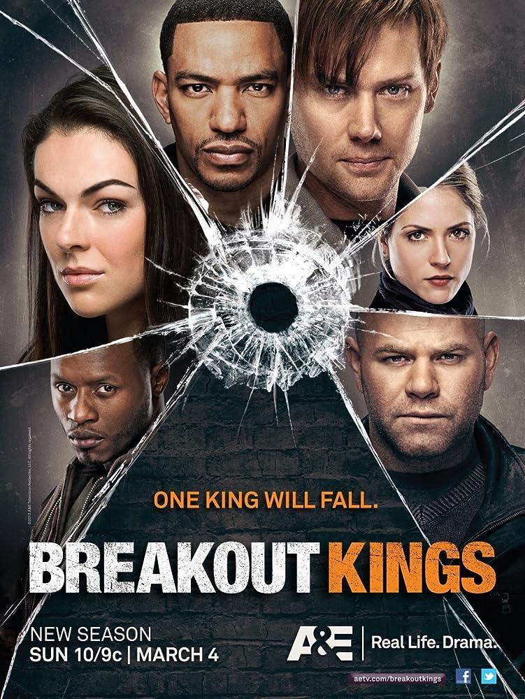 Laz Alonso, Malcolm Goodwin, Domenick Lombardozzi, Brooke Nevin, Jimmi Simpson, and Serinda Swan in Breakout Kings (2011)