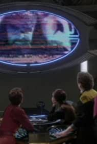 Terry Farrell, Colm Meaney, Nana Visitor, Avery Brooks, Rene Auberjonois, and Tom Towles in Star Trek: Deep Space Nine (1993)