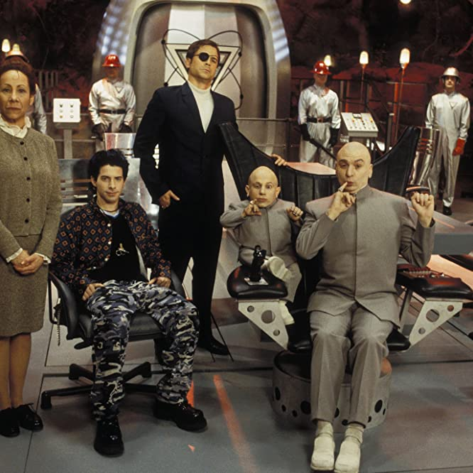 Mike Myers, Rob Lowe, Seth Green, Mindy Sterling, and Verne Troyer in Austin Powers - La spia che ci provava (1999)