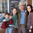 Alan Arkin, Amy Adams, Emily Blunt, and Jason Spevack in Sunshine Cleaning (2008)