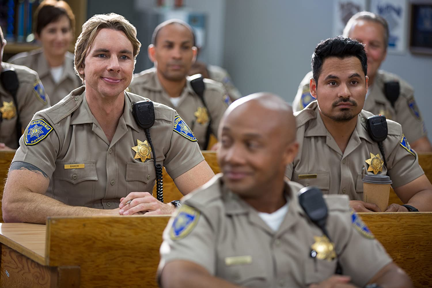 Michael Peña and Dax Shepard in CHIPS (2017)