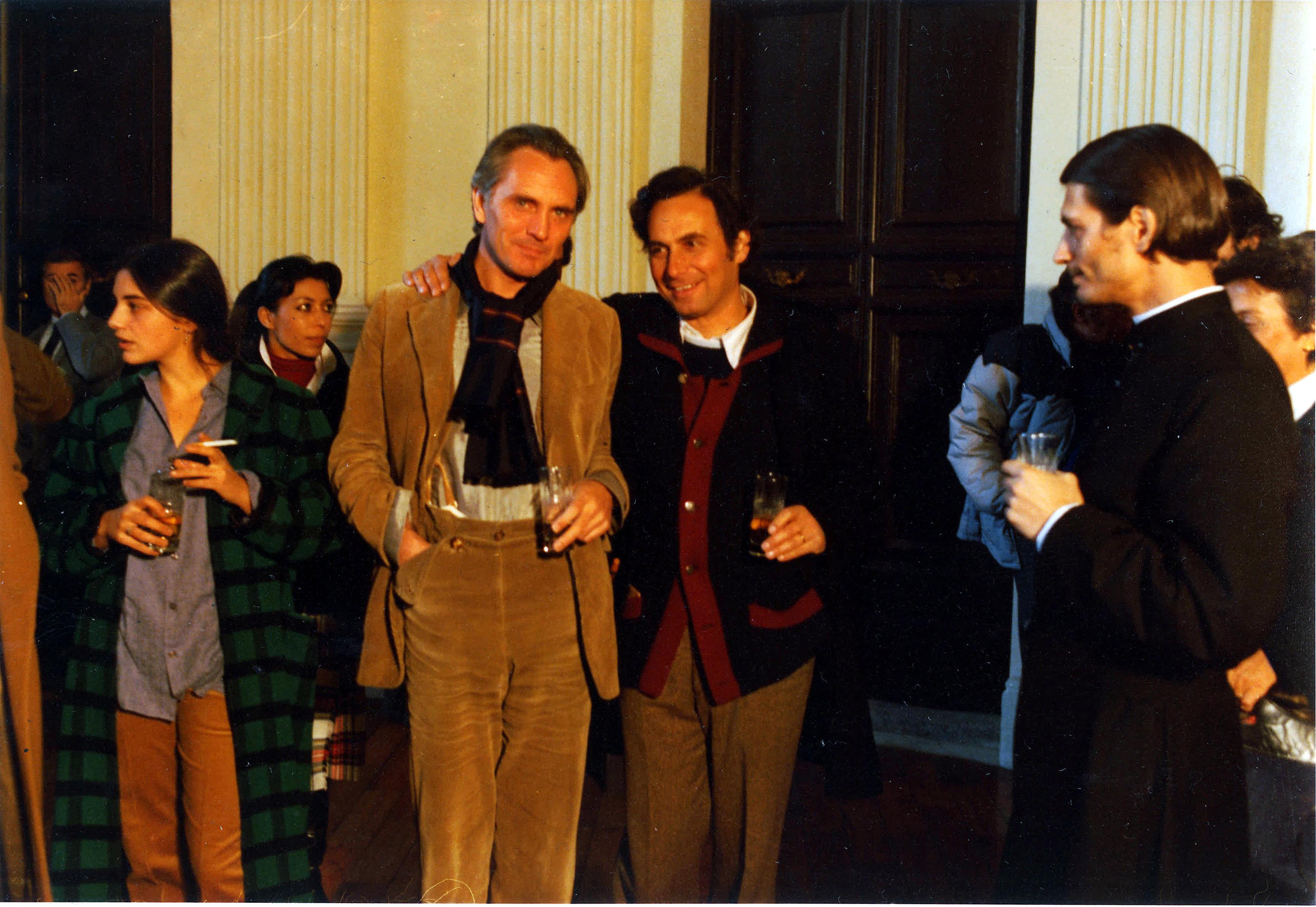 From left: Paula Molina, Terence Stamp, Marcello Aliprandi, Fabrizio Bentivoglio (on the set).