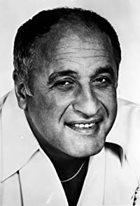 Primary photo for Vic Tayback