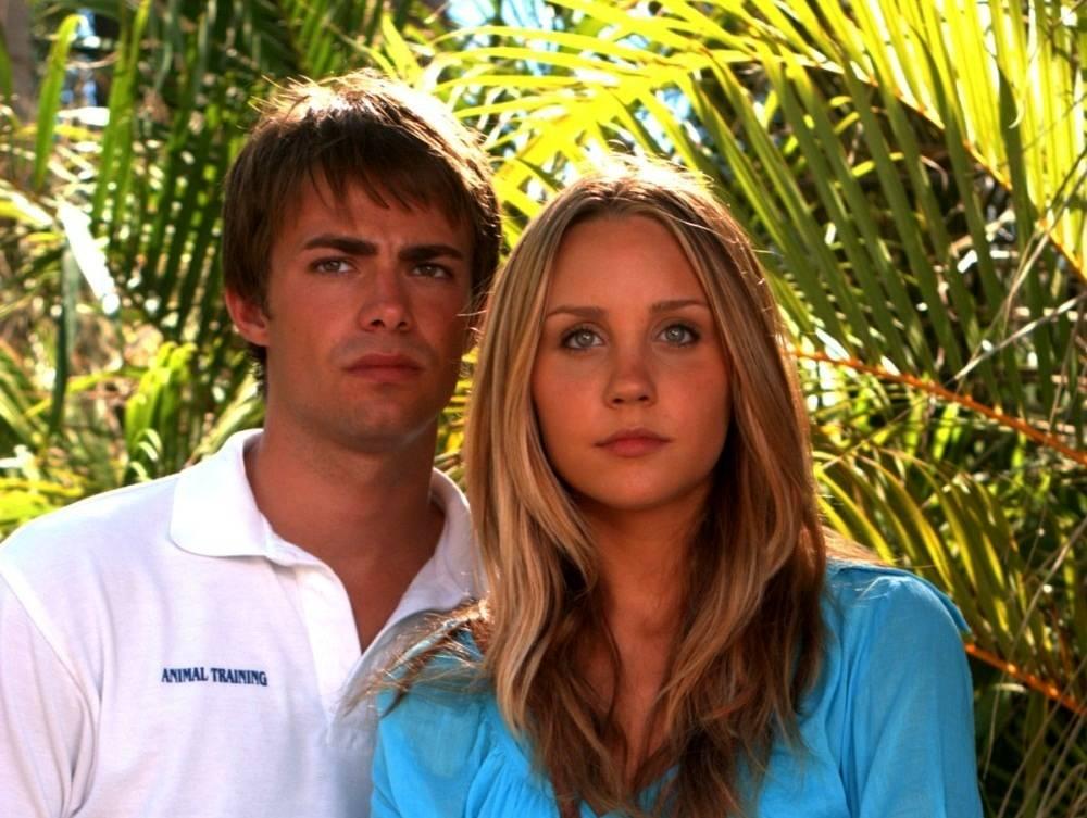 Amanda Bynes and Jonathan Bennett in Love Wrecked (2005)