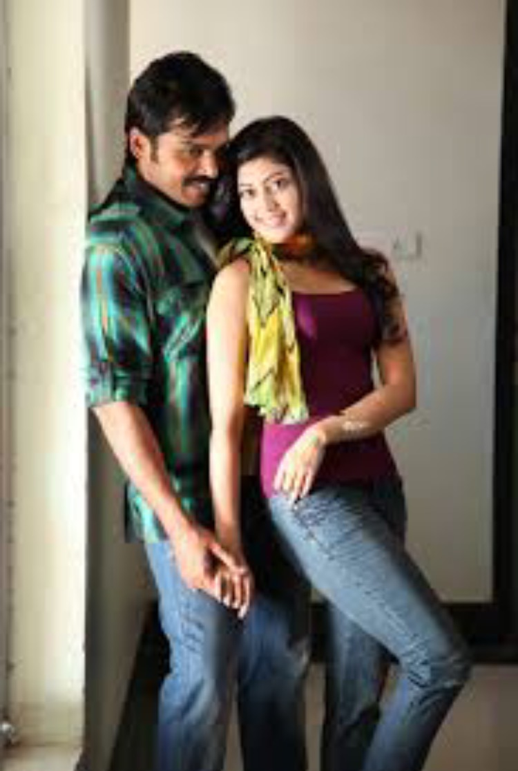 Karthi and Pranitha in Saguni (2012)