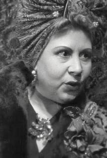 Julia Lajos Picture