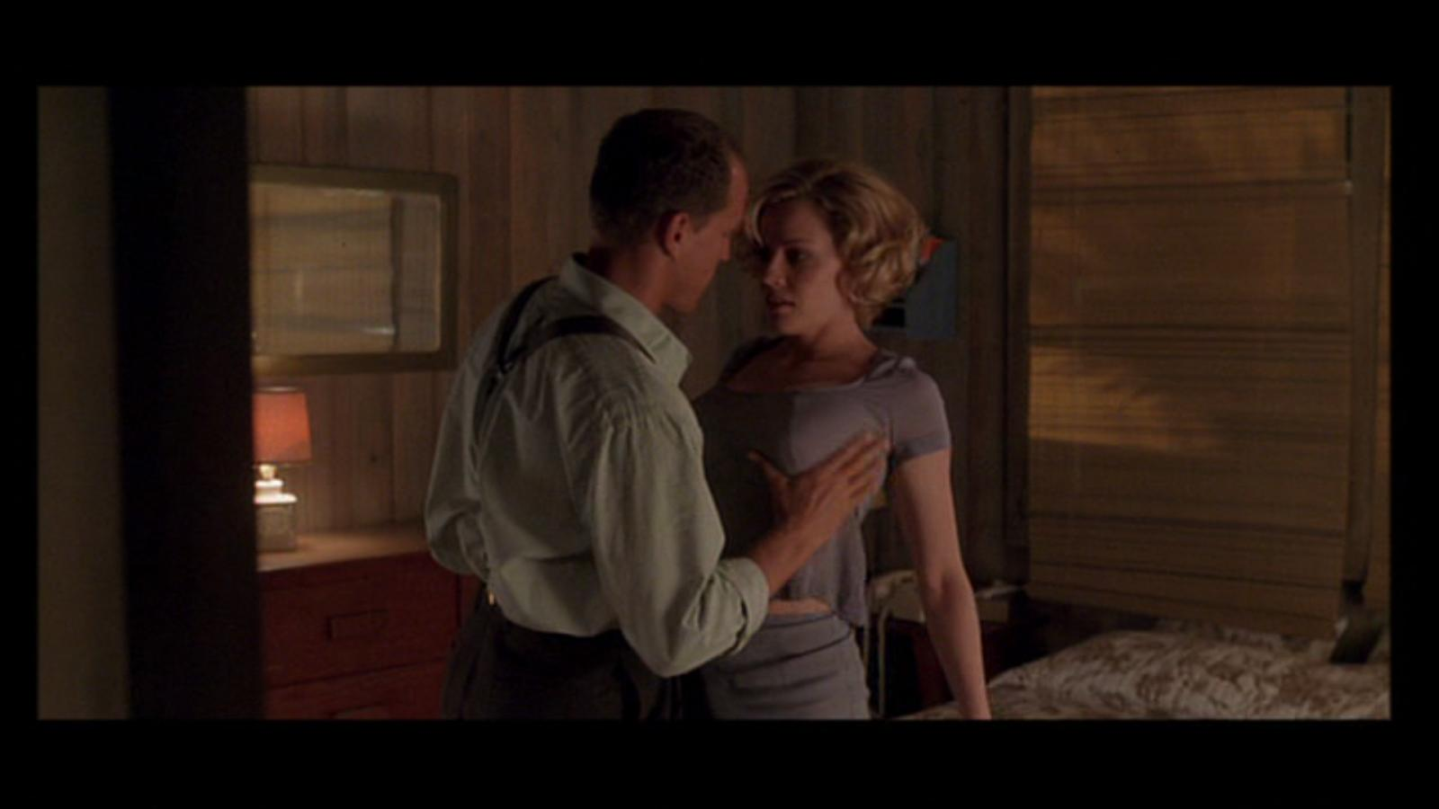 Hottest Actress in a movie | Page 12 | Sherdog Forums ...