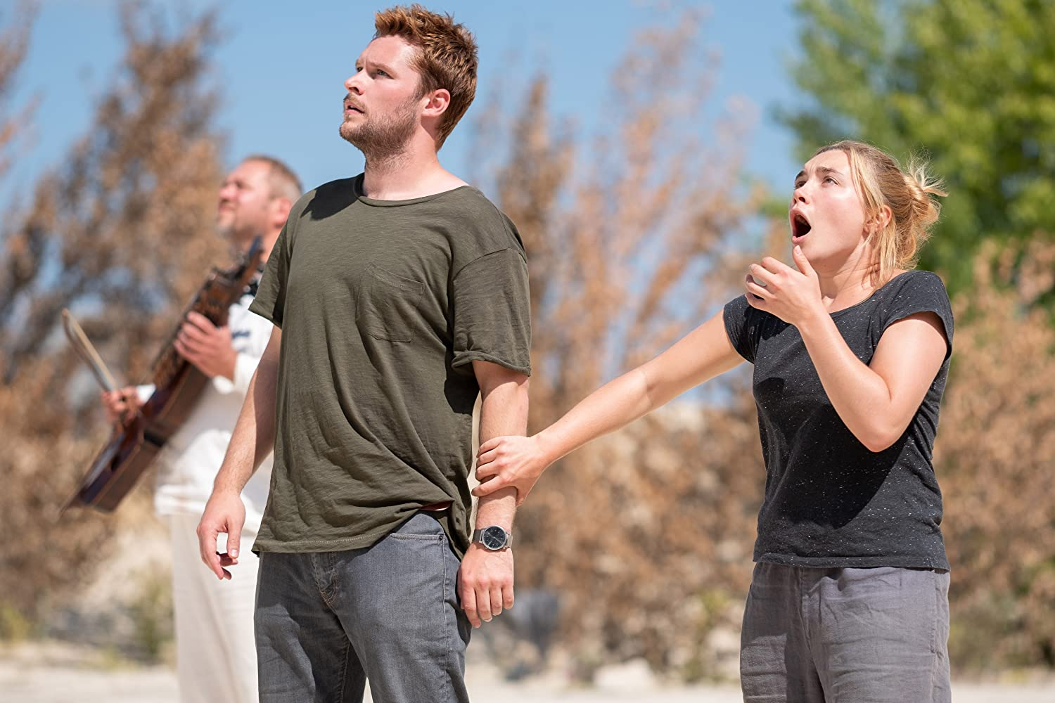 Jack Reynor and Florence Pugh in Midsommar (2019)
