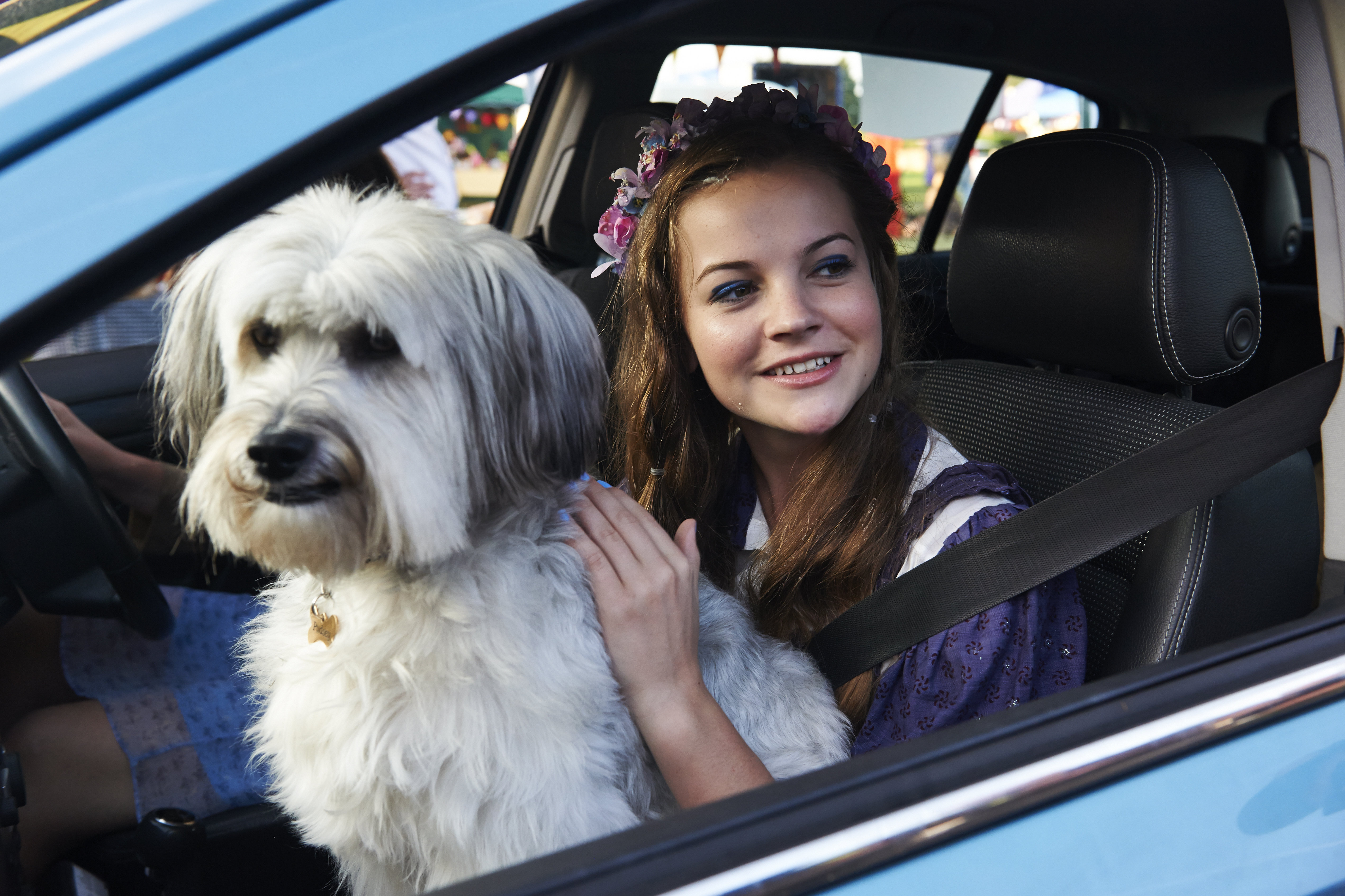 Izzy Meikle-Small and Pudsey in Pudsey the Dog: The Movie (2014)