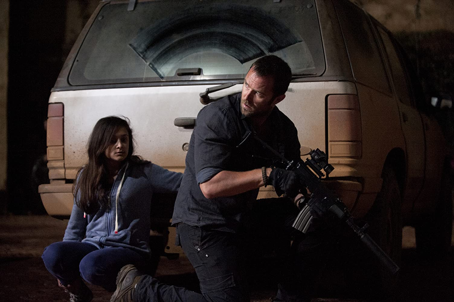 Sullivan Stapleton and Amy-Leigh Hickman in Strike Back (2010)