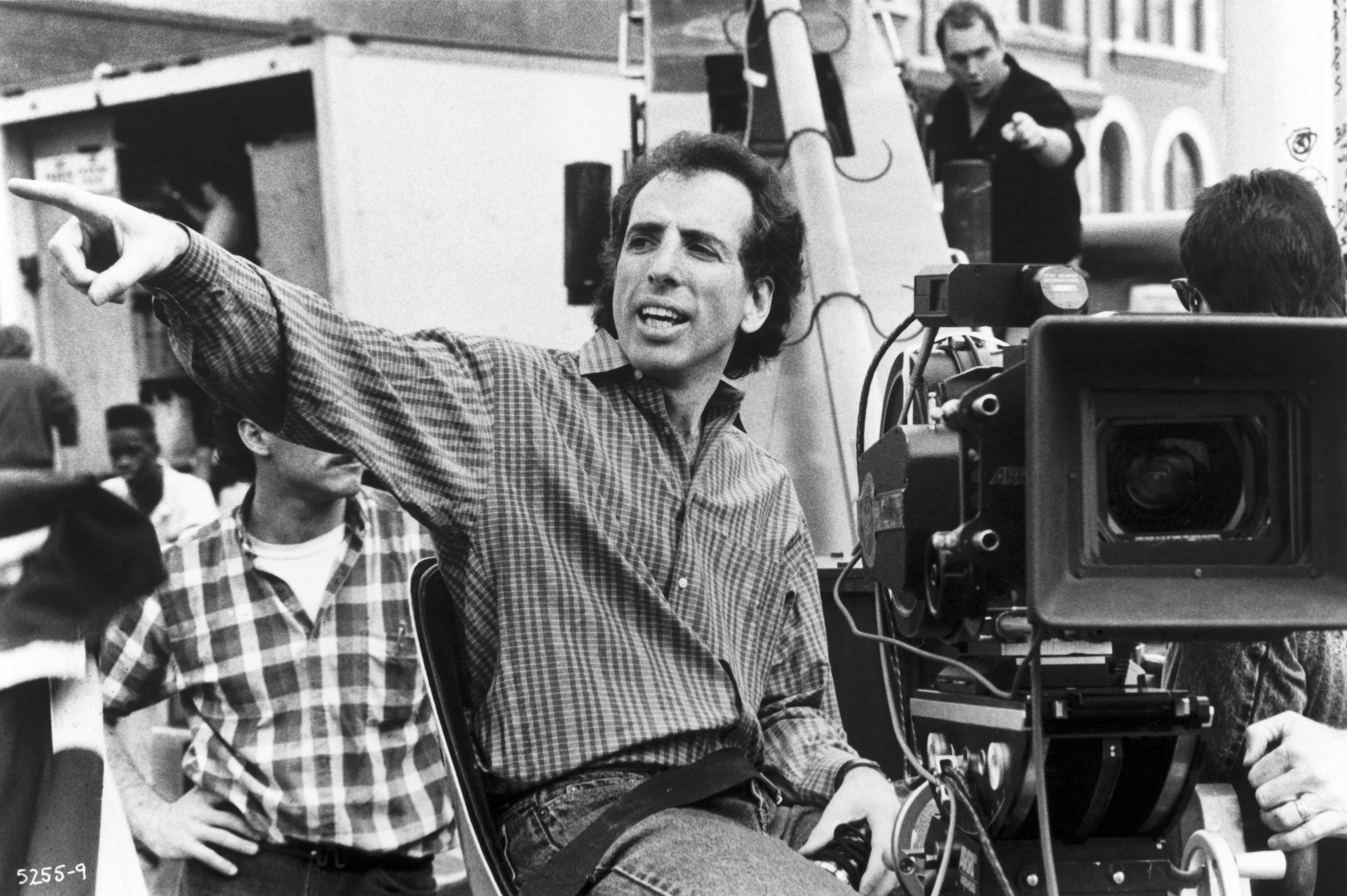Jerry Zucker in Ghost (1990)