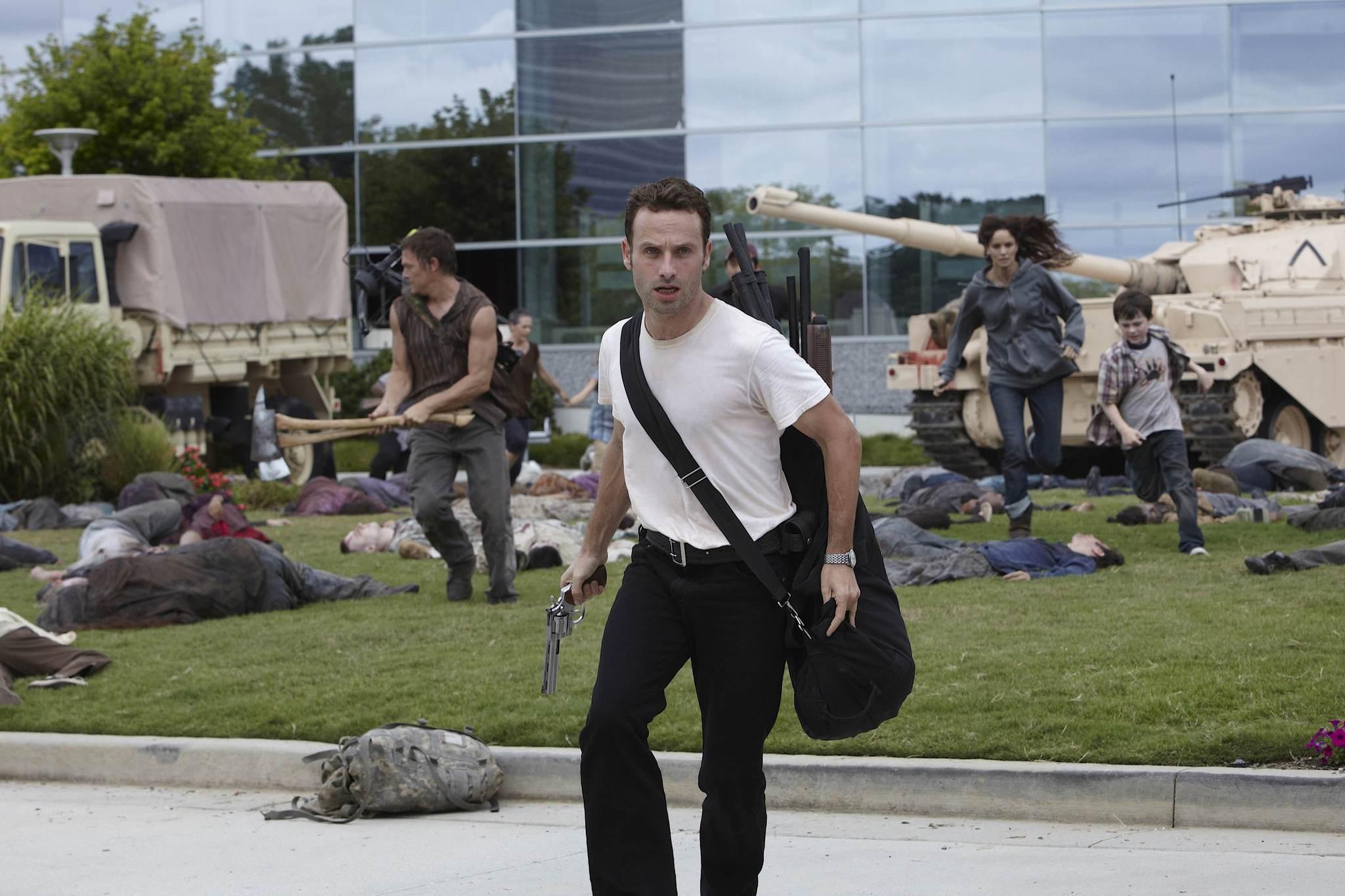 The Walking Dead 1×06 – TS-19