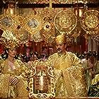 Gong Li, Chow Yun-Fat, Ye Liu, Jay Chou, and Junjie Qin in Man cheng jin dai huang jin jia (2006)