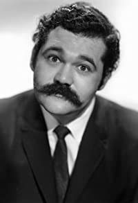 Primary photo for Avery Schreiber