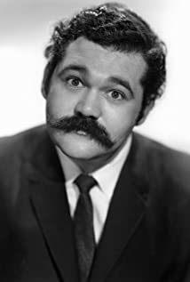 Avery Schreiber Picture