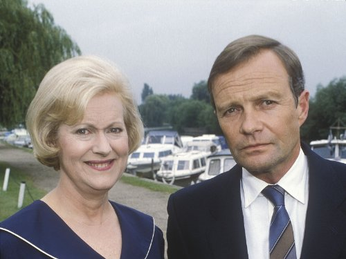 David Griffin and Josephine Tewson in Keeping Up Appearances (1990)
