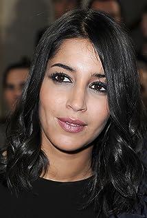 Leïla Bekhti Picture