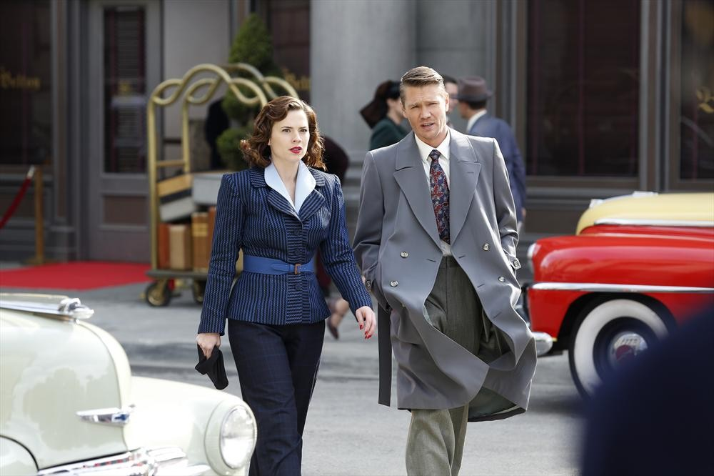 Chad Michael Murray and Hayley Atwell in Agent Carter (2015)