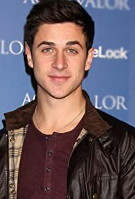 Primary photo for David Henrie