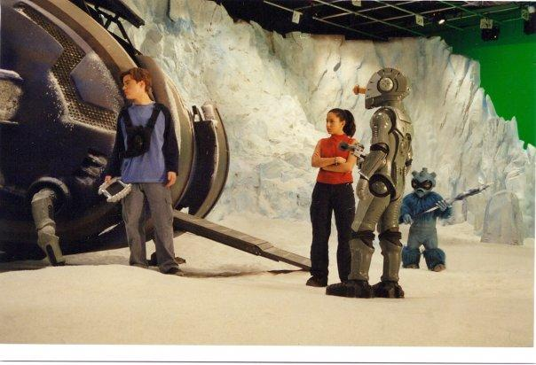 Matthew Ewald and Marie-Marguerite Sabongui in Galidor: Defenders of the Outer Dimension (2002)