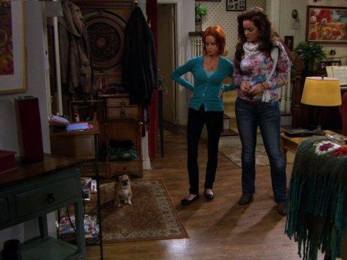 Swoosie Kurtz and Katy Mixon in Mike & Molly (2010)
