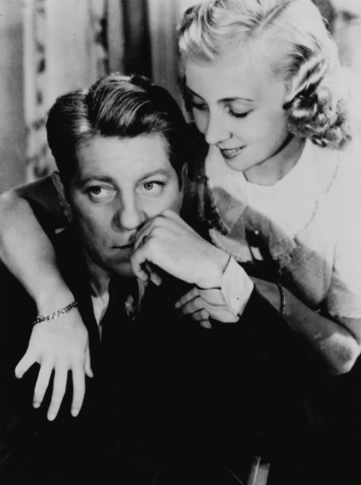 Jean Gabin and Madeleine Renaud in Remorques (1941)