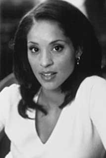 Karyn Parsons Picture
