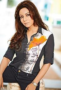 Primary photo for Gauri Khan