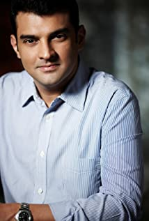 Siddharth Roy Kapur Picture