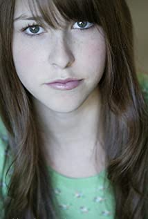 Eden Sher Picture