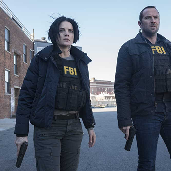 Sullivan Stapleton and Jaimie Alexander in Blindspot (2015)