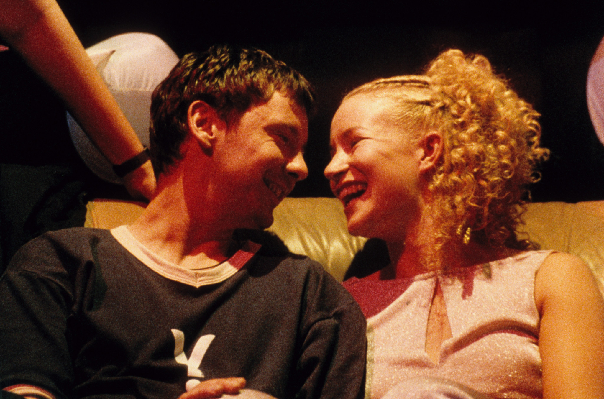 Lorraine Pilkington and John Simm in Human Traffic (1999)