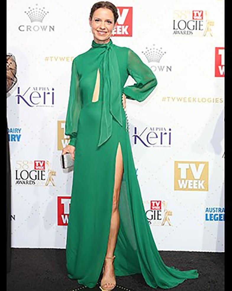 Kate Atkinson Kate atkinson (born 28 june, 1972) 1 is an australian film, television and theatre actress. kate atkinson