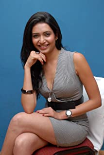 Karishma Tanna Picture