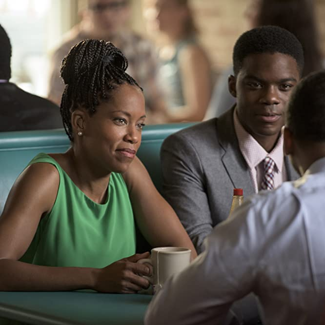 Regina King, Kevin Carroll, and Jovan Adepo in The Leftovers (2014)