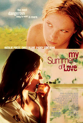 Emily Blunt and Natalie Press in My Summer of Love (2004)