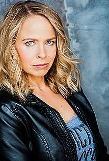 Leanne Melissa Bishop Picture