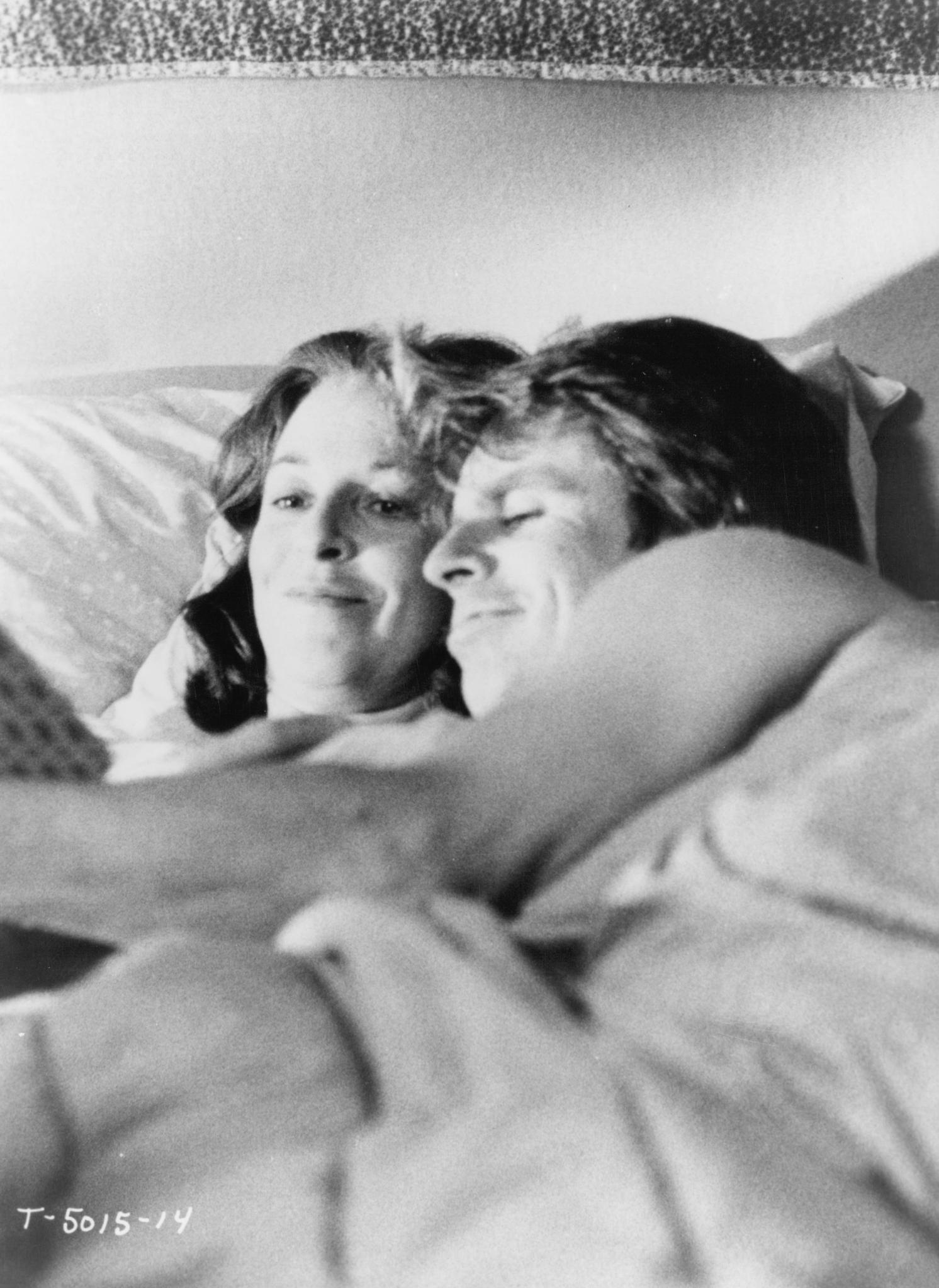 Jane Alexander and William Devane in Testament (1983)