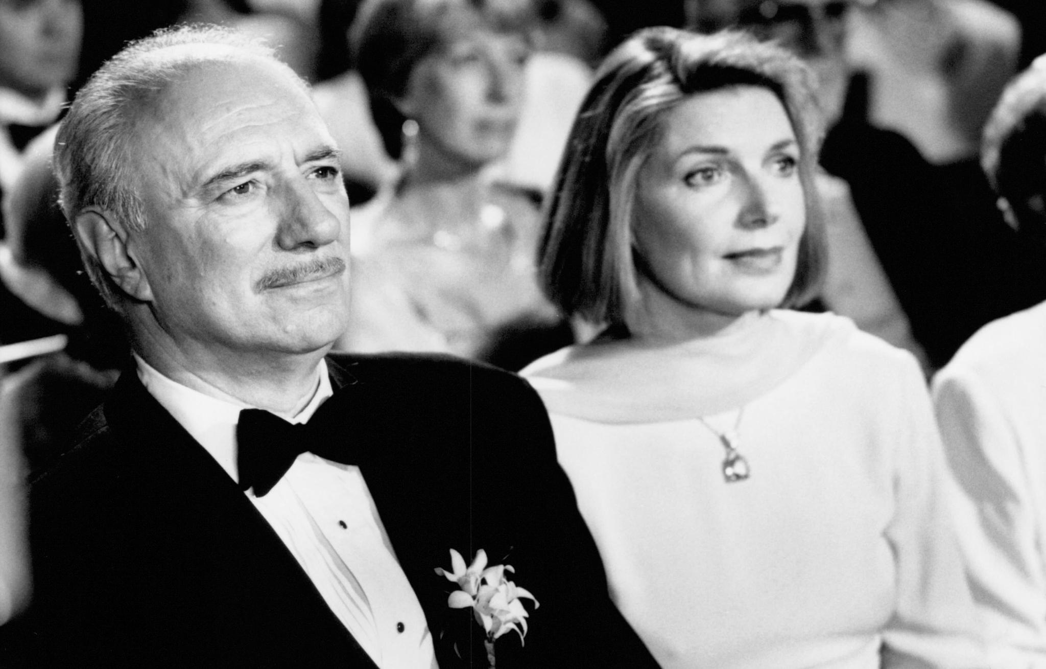 Philip Bosco and Susan Sullivan in My Best Friend's Wedding (1997)
