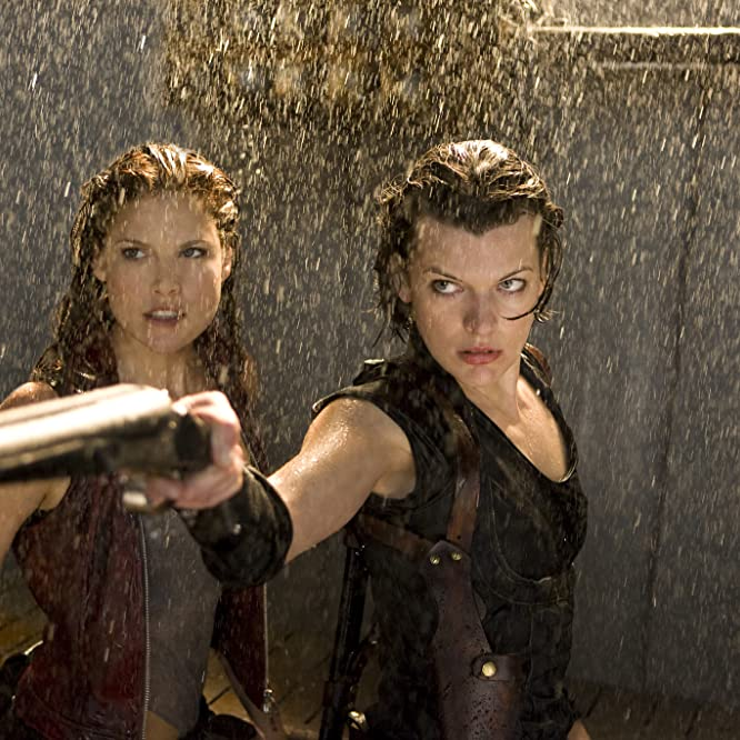 Milla Jovovich and Ali Larter in Resident Evil: Afterlife (2010)