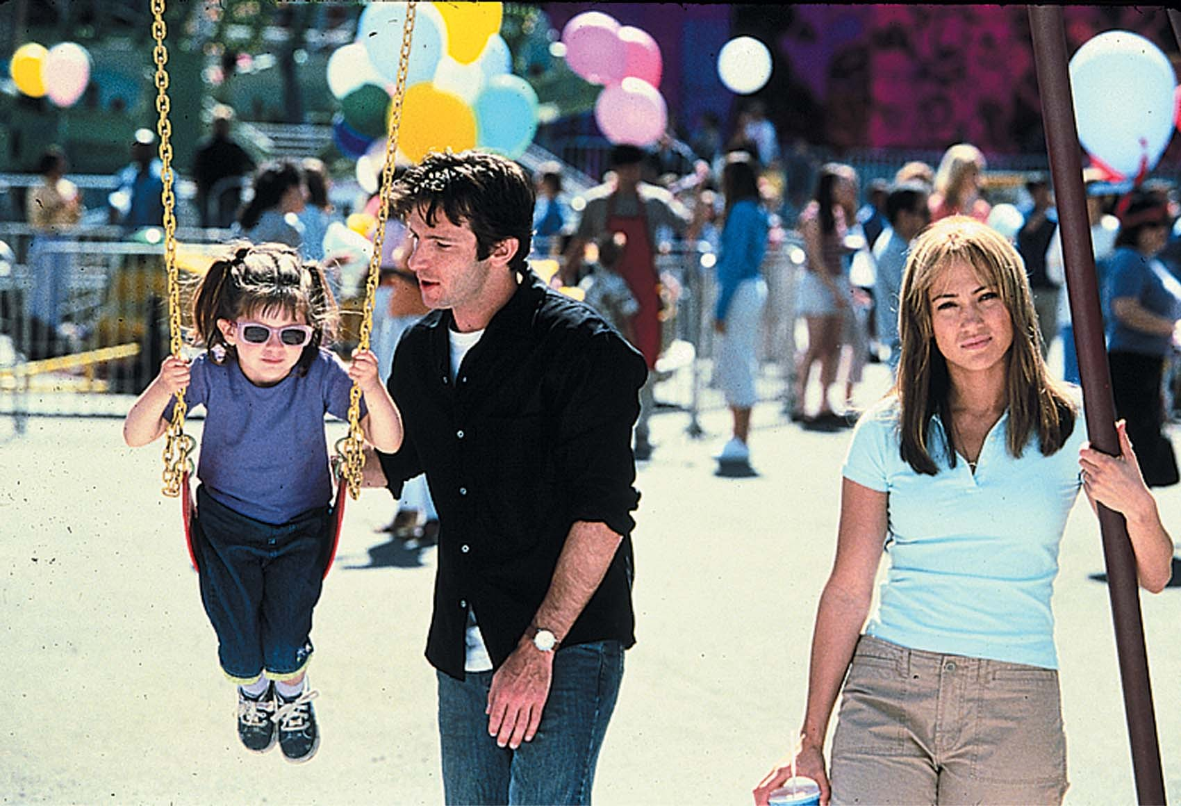 Jennifer Lopez, Dan Futterman, and Tessa Allen in Enough (2002)