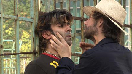 Fatih Akin and Birol Ünel in Hirsiz Var! (2005)