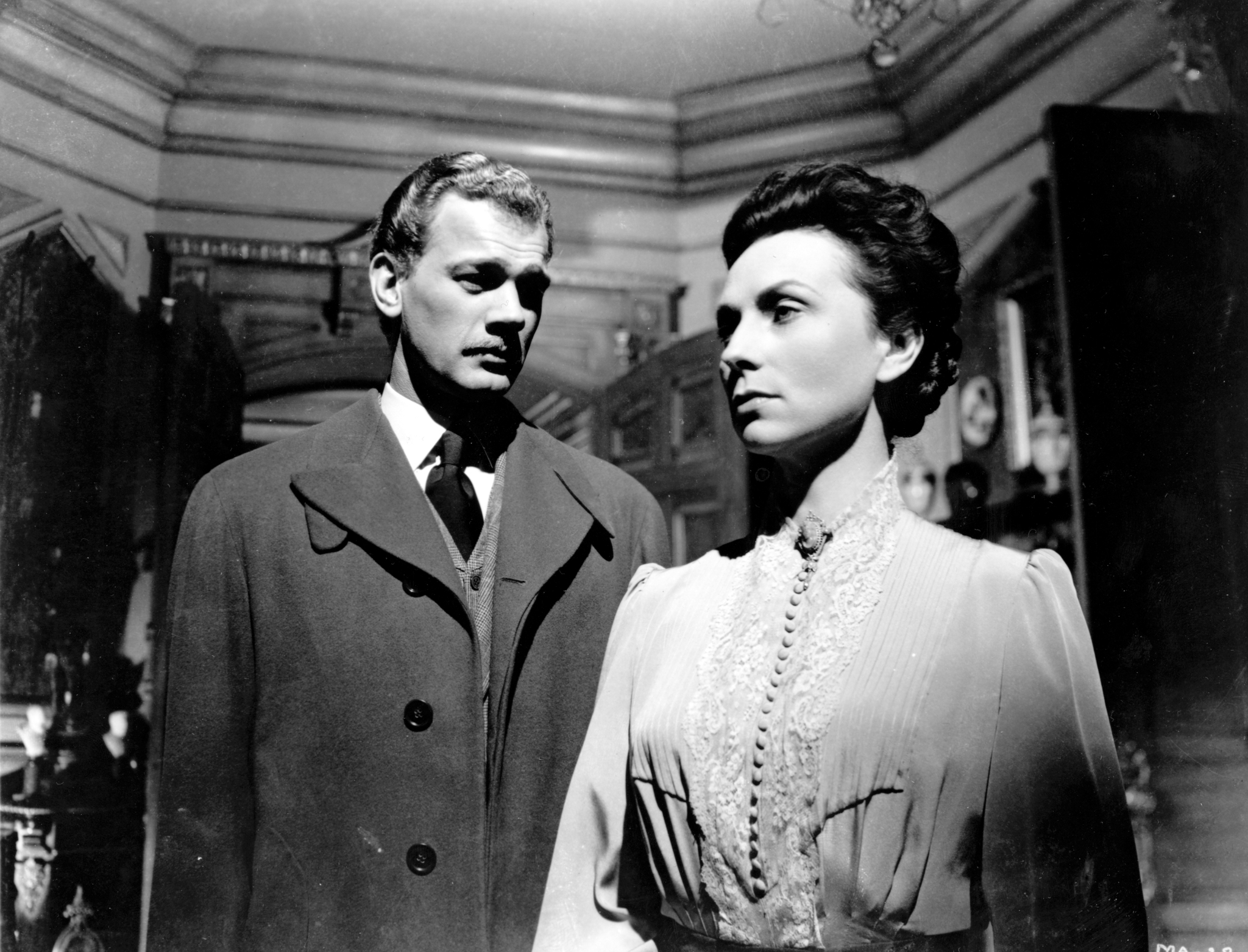 Joseph Cotten and Agnes Moorehead in The Magnificent Ambersons (1942)