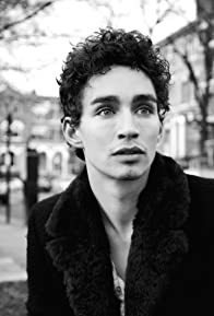 Primary photo for Robert Sheehan
