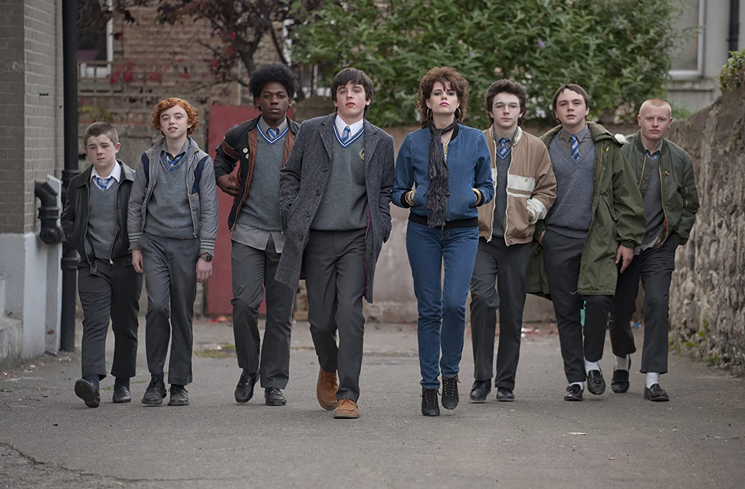 Lucy Boynton, Ian Kenny, Ferdia Walsh-Peelo, Mark McKenna, Ben Carolan, and Percy Chamburuka in Sing Street (2016)