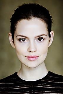 Emilia Schüle Picture