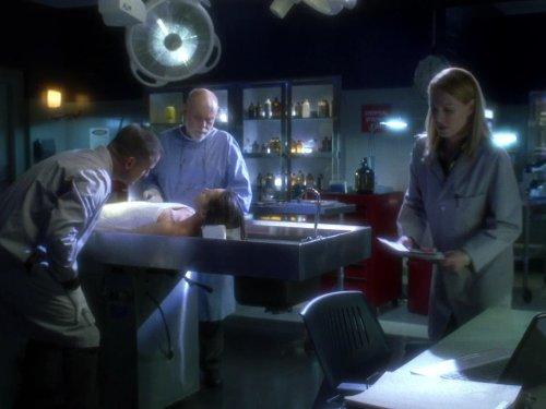 Marg Helgenberger, Robert David Hall, George Eads, and Lili Mirojnick in CSI: Crime Scene Investigation (2000)
