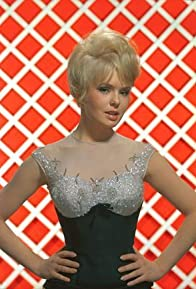 Primary photo for Joey Heatherton