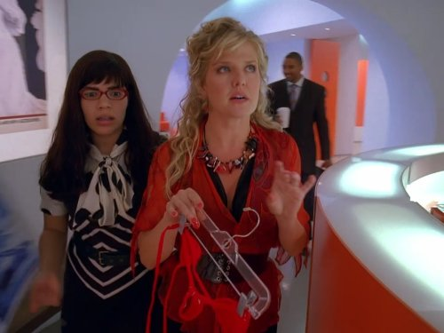 Ashley Jensen and America Ferrera in Ugly Betty (2006)