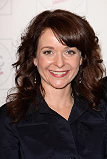 Julia Sawalha Picture